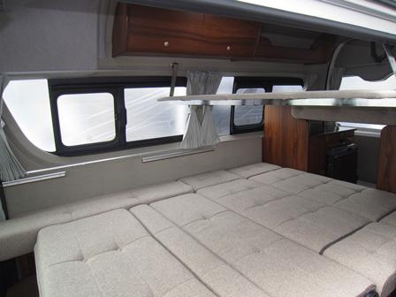 メインベッド&二段ベッド(オプション)