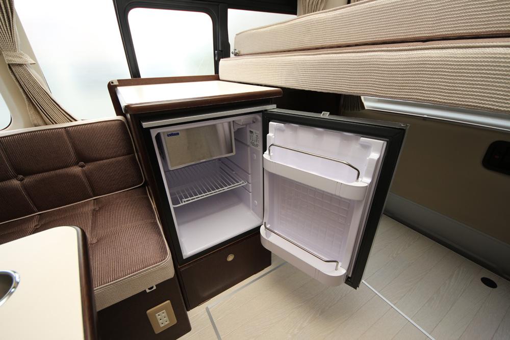 調理台&冷蔵庫